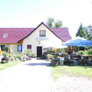 Ramona`s Haus & Hofladen mit Imbiss & Ferienwohnung in Krienke